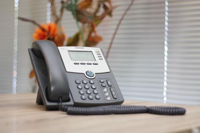 クラウドPBXの対応電話機は3種類!